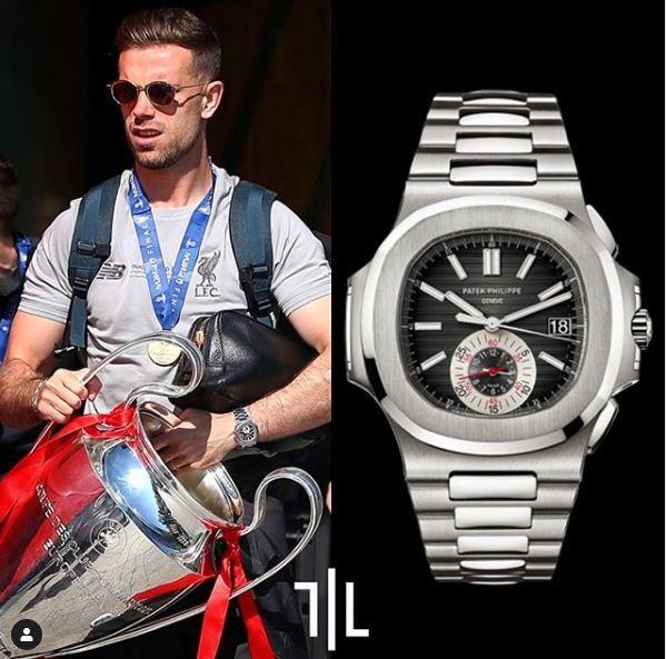 Jordan Henderson indossa un Patek Philippe 5980/1A014.  Valore di mercato : 130mila euro.