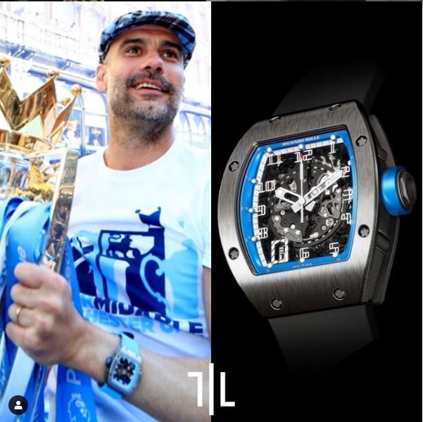 Pep Guardiola indossa un Richard Mille RM010 Automatic AMC blu in titanio.  Valore di mercato : 85mila euro.