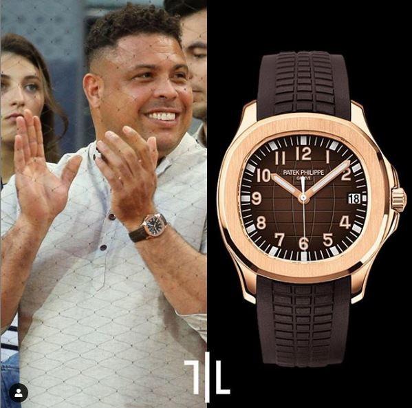 Ronaldo indossa un Patek Philippe Aquanaut in oro rosa.  Valore di mercato : 45mila euro.