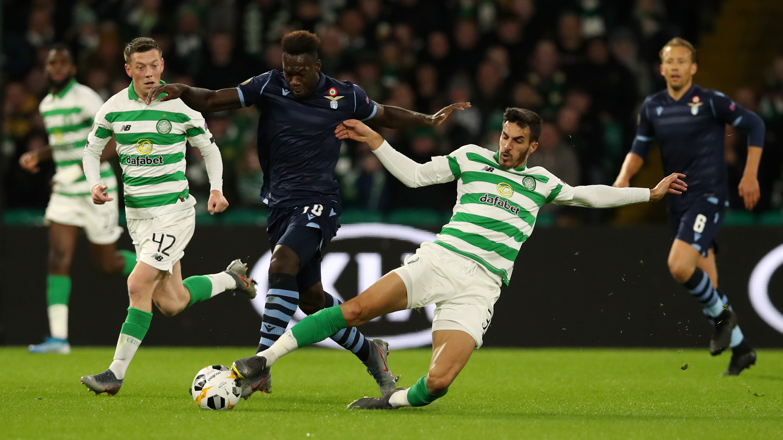 Nel terzo match della fase a gironi d'Europa League, la Lazio si fa rimontare dal Celtic e resta ferma a quota tre punti. A Glasgow finisce 2-1 pe...