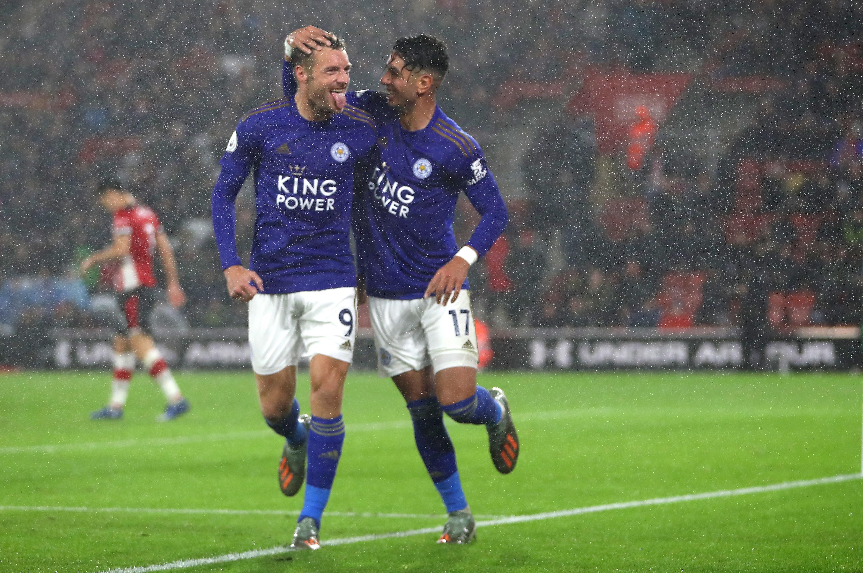 I Foxes non hanno avuto pietà nel primo anticipo della decima giornata di Premier. Contro il Southampton in dieci dal 12' per l'espulsi...