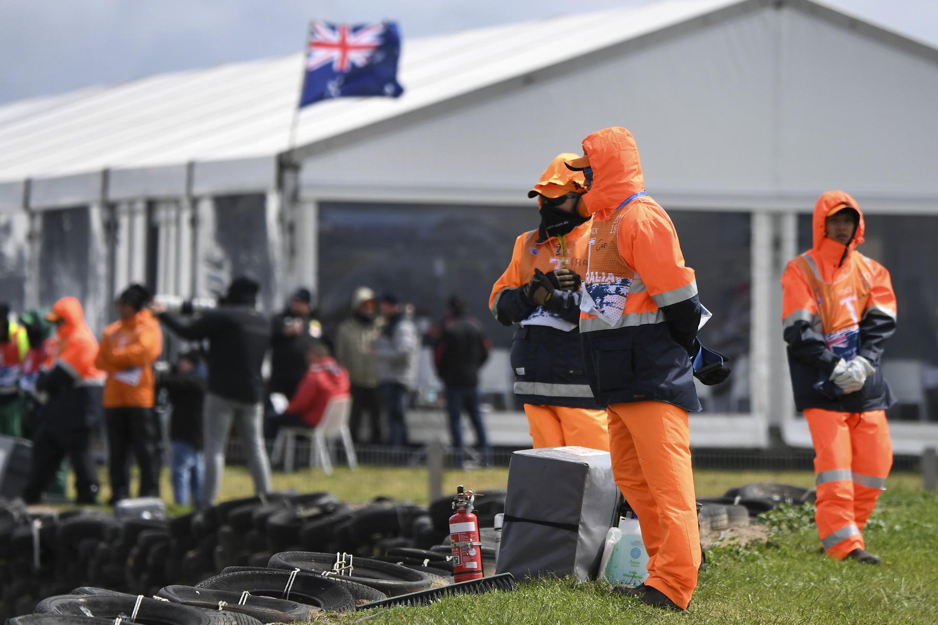Condizioni troppo pericolose in Australia: niente qualifiche<br /><br />