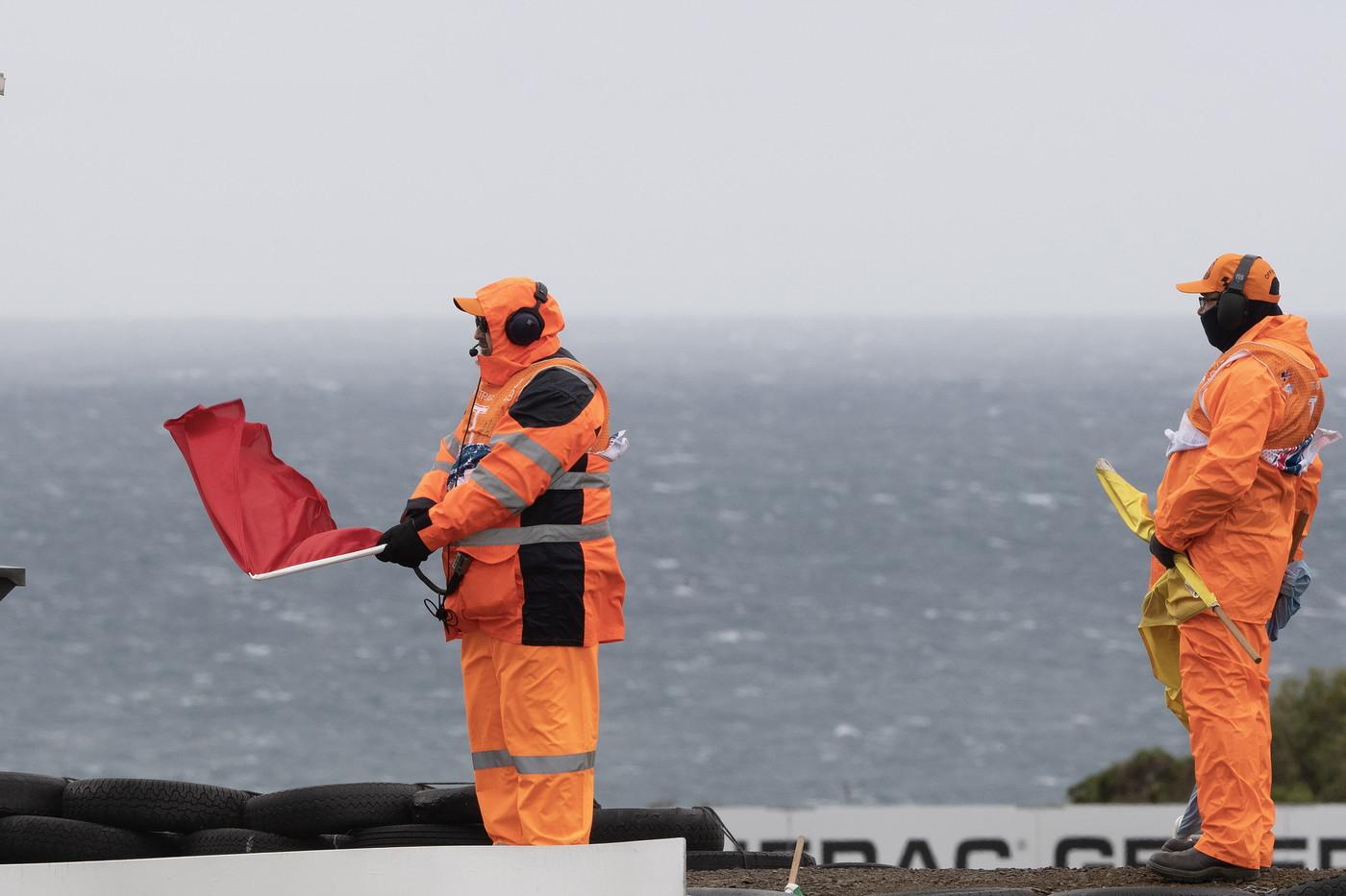 Condizioni troppo pericolose in Australia: niente qualifiche