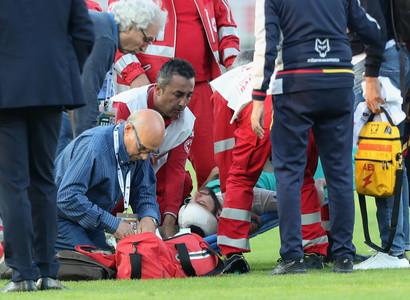 Non èstato necessario il trasporto in ospedale dell'attaccante della Juve Gonzalo Higuain, che è stato soccorso nell'infer...