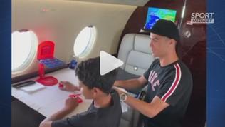 CR7 sfida Cristiano junior sul jet