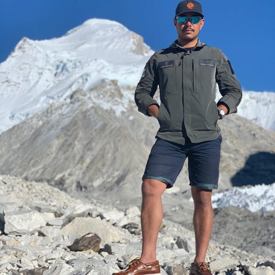 Il nepalese ha scalato tutti i 14 ottomila metri in soli 6 mesi e 6 giorni.