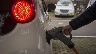 Bonus e incentivi per le auto elettriche: la guida