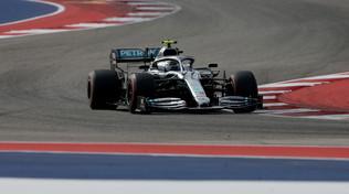 Bottas in pole su Vettel, Hamilton insegue il titolo dal 5° posto
