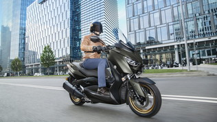Yamaha lancia il TMAX più sportivo e potente di sempre