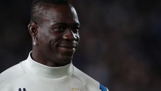 """La Roma con Balotelli: """"Non lasciamo che il razzismo distrugga il calcio"""""""
