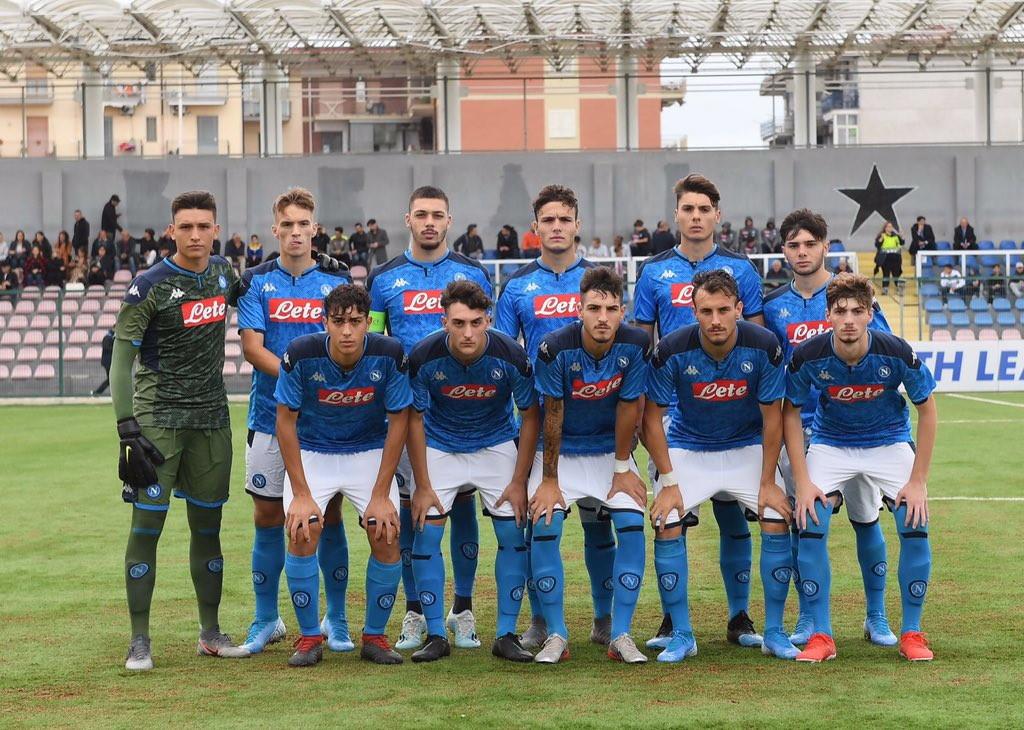 Gli azzurri (unico gol di Gaetano, Costanzo espulso nel finale) rimangono fanalino di coda del gruppo E a quota un punto