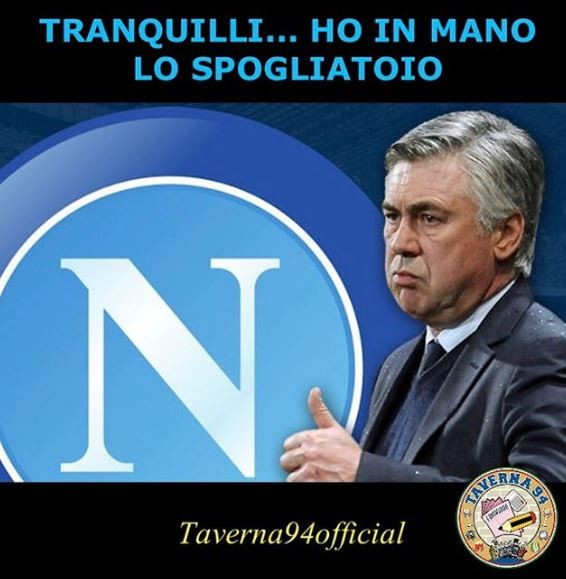 Aurelio De Laurentiis decide di mandare in ritiro il Napoli, Ancelotti non è d'accordo, i giocatori disertano: il web la vede così.