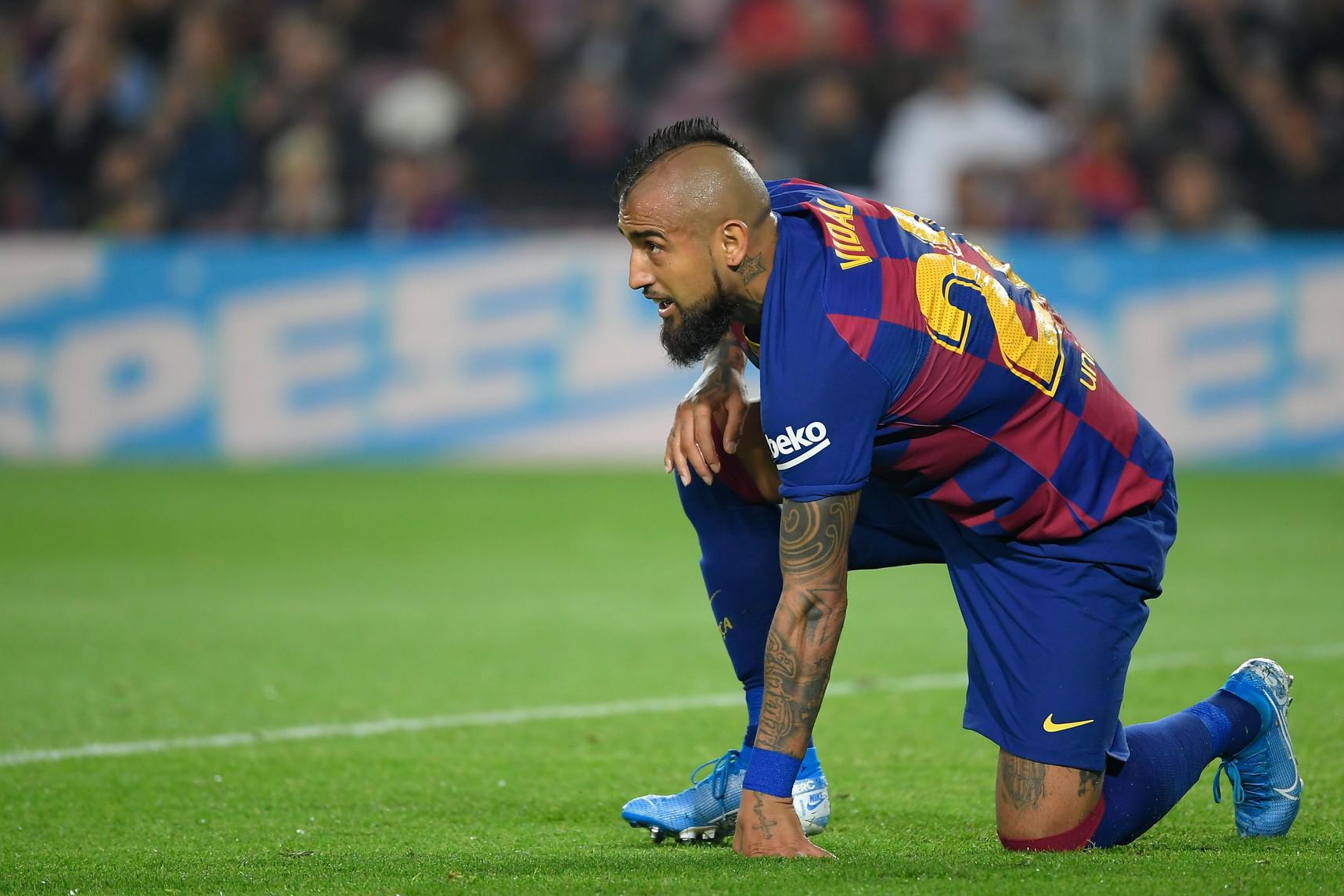 Vidal (Barcellona): pallino di Conte, che lo aveva avuto alla Juventus, che cerca forza fisica ed esperienza a centrocampo