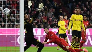 Lewa scatenato, Bayern senza pietà: Dortmund travolto