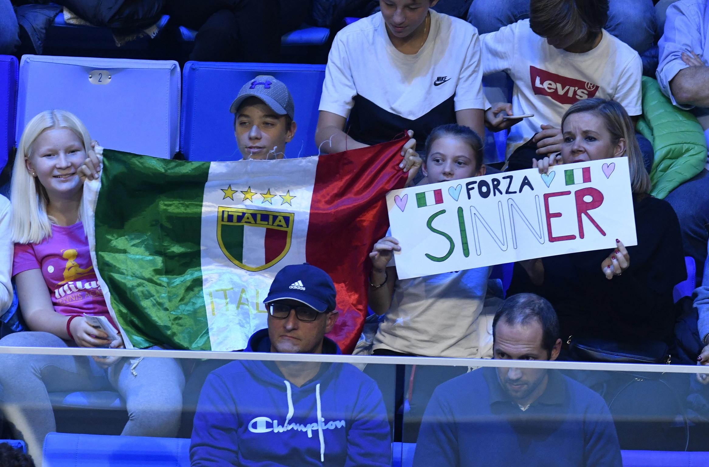 L'altoatesino travolge De Minaur nella finale di Milano