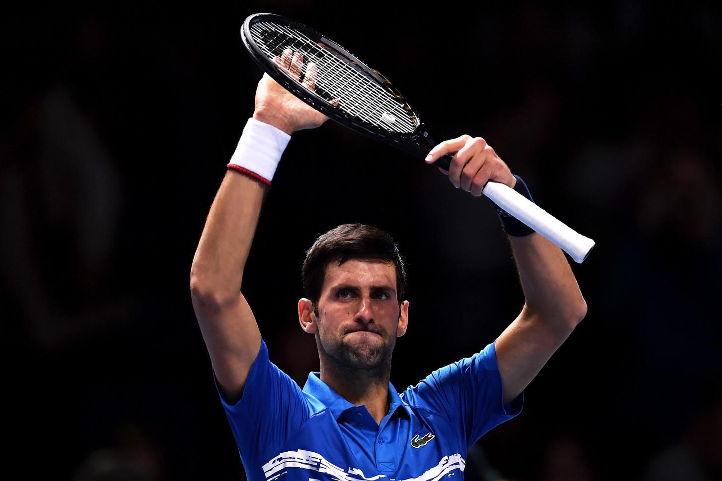 L'azzurro cede nettamente a Djokovic nel match d'apertura