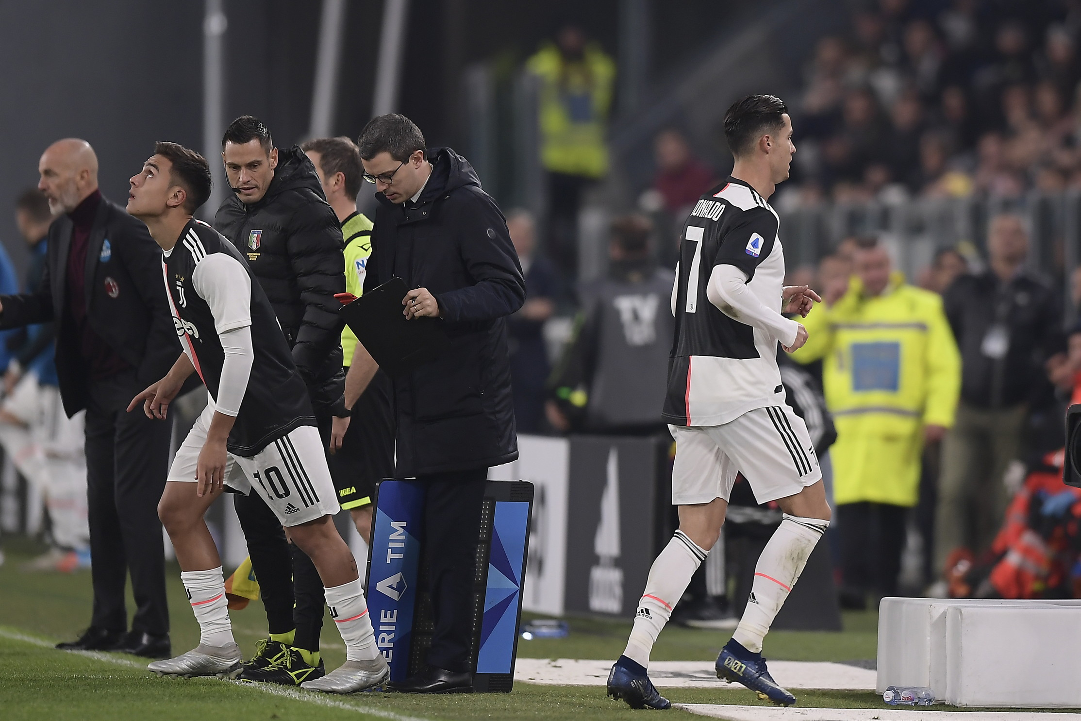 Prima la Lomotiv Mosca, ora il Milan: non è il momento migliore della stagione per Cristiano Ronaldo che incassa due sostituzioni a gara in cor...