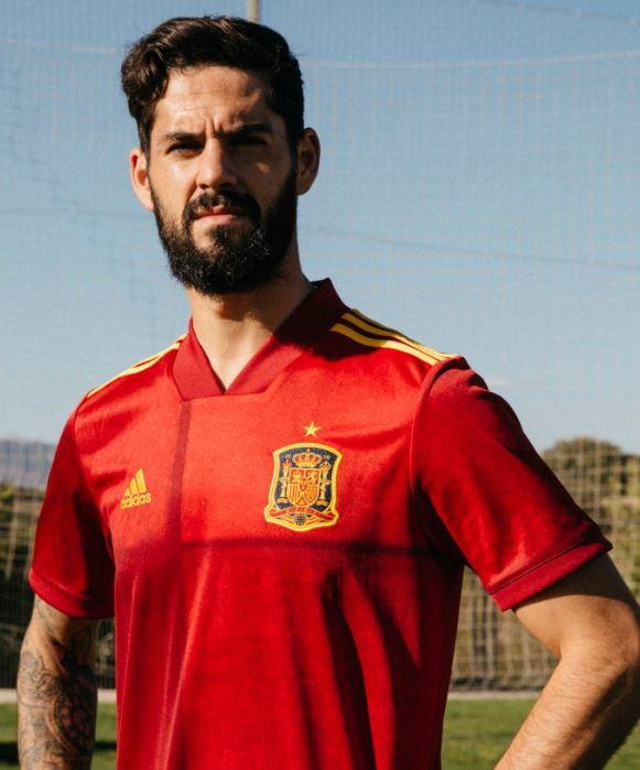 adidas ha svelato la divisa degli spagnoli per gli Europei.