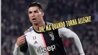 Ronaldo sostituito (ancora) da Sarri, la rete si scatena