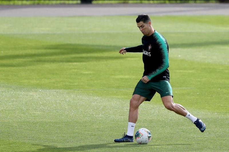 Cristiano Ronaldosta bene, è abile e arruolabile per ilPortogallo. Dopo la sostituzione di Sarri durante Juventus-Milangiusti...