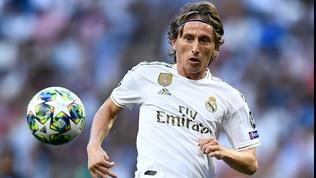 """Golden Foot, trionfa Modric: """"E' un onore. L'Italia? Vedremo se un giorno sarò in Serie A..."""""""