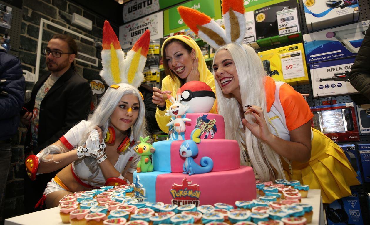 Grande festa nel capoluogo lombardo per l'arrivo dei nuoviPokemon Spada e Pokemon Scudo, l'ultimocapitolo del videogiocodedi...