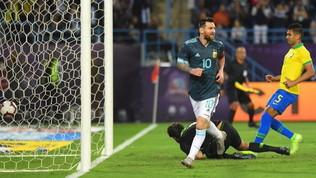 Messi segna, Lautarolotta e convince: l'Argentina piega il Brasile