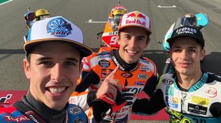Dalla Porta e i fratelliMarquez: selfie da campioni