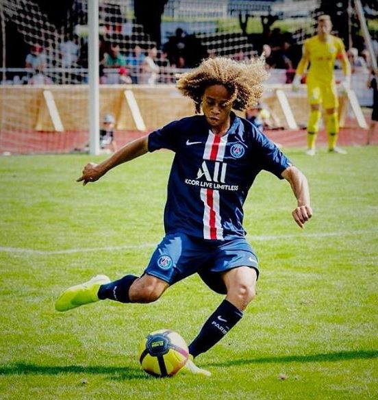 Xavi Simons (PSG): il centrocampista olandese, 16 anni, strappato dai francesi al Barcellona è gestito da Raiola