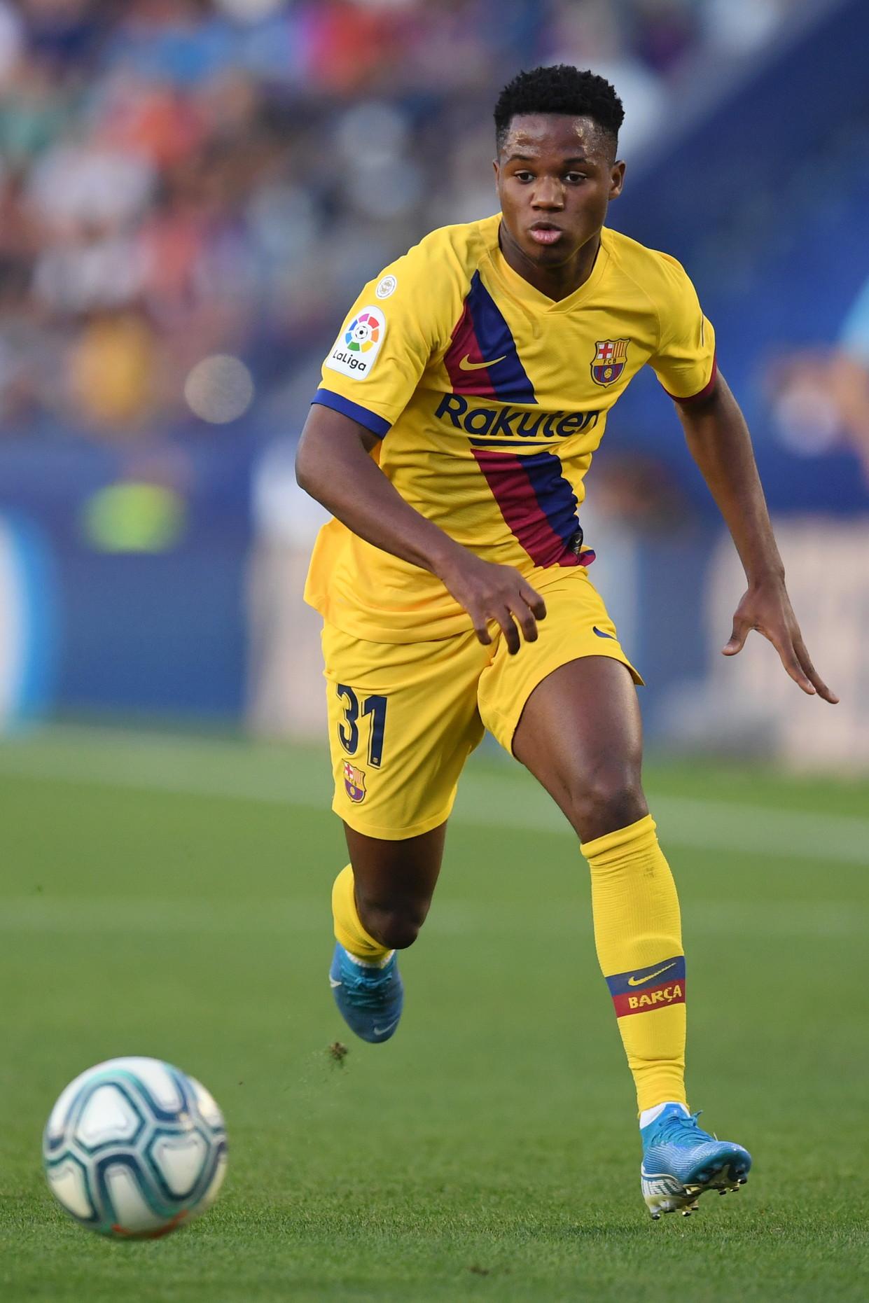 Ansu Fati (Barcellona): è diventato il più giovane giocatore della Liga a fare gol e assist nella stessa partita a 16 anni e 321 giorni