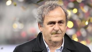 """Razzismo, Platini: """"Cori assurdi, ma non fermiamo le partite"""""""