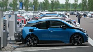 BMW, un milione di macchine elettrificate entro il 2021