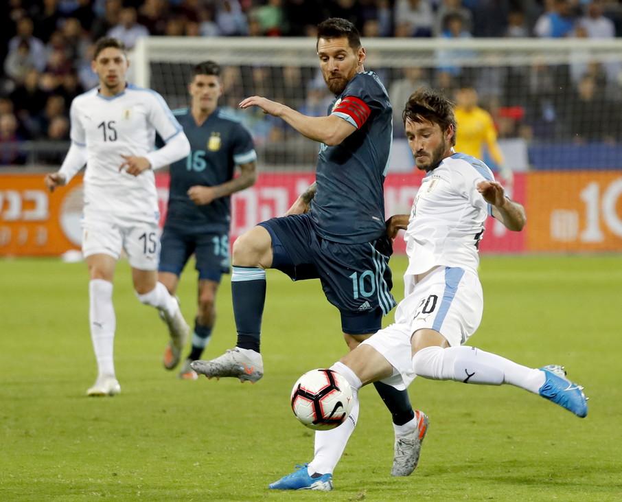InterNazionali - Argentina-Uruguay: titolari Godin e Vecino, panchina per Lautaro