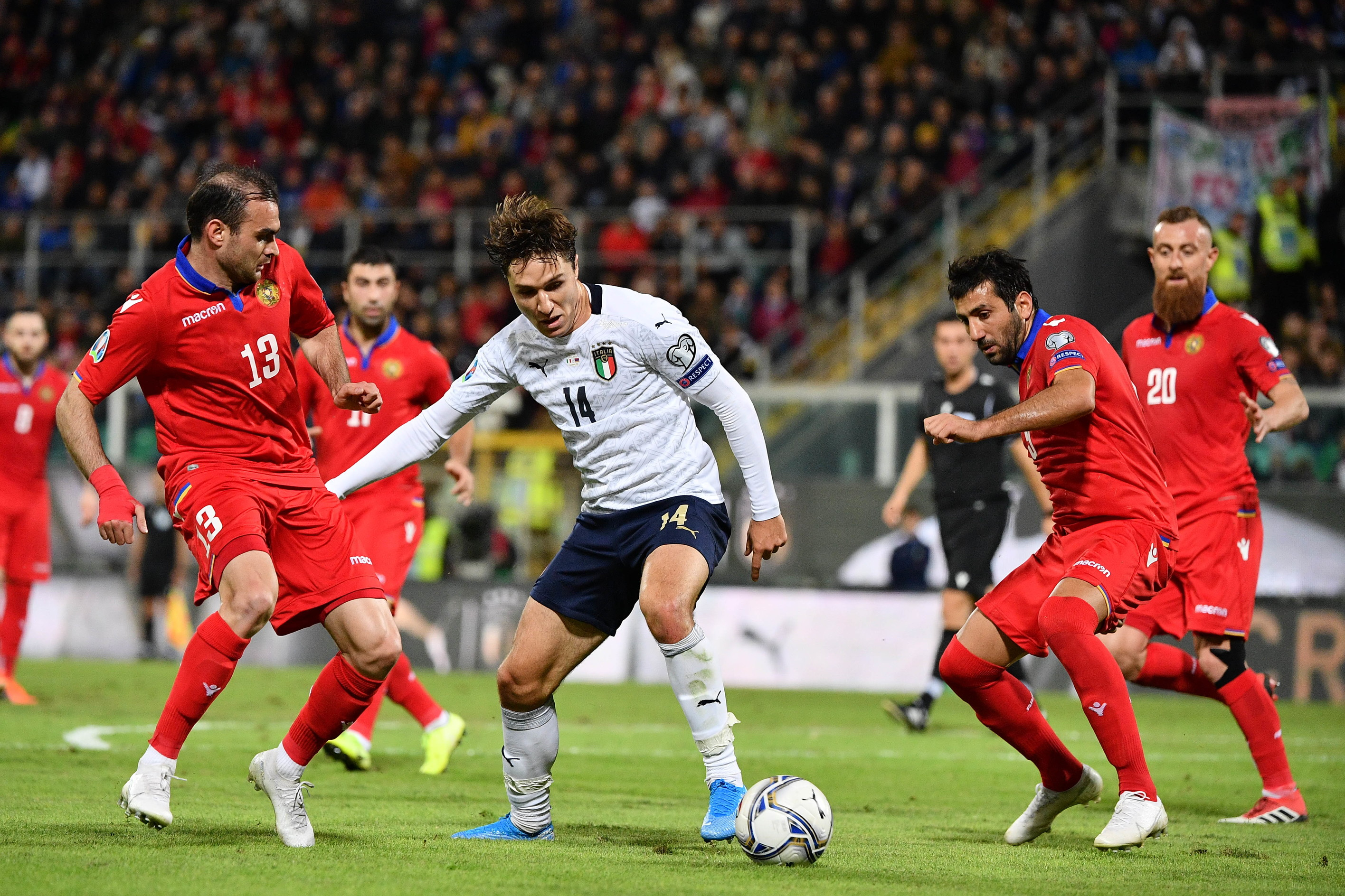 L'Italia travolge 9-1l'Armenia nell'ultima gara di qualificazione a Euro 2020 e, per la prima volta nella storia, vince tutte e 10 l...