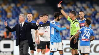"""Ancelotti agli arbitri: """"Chi dirige le gare? Non accetto l'errore del Var"""""""