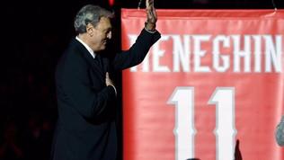 Basket, l'Olimpia Milano ritira la maglia di Dino Meneghin