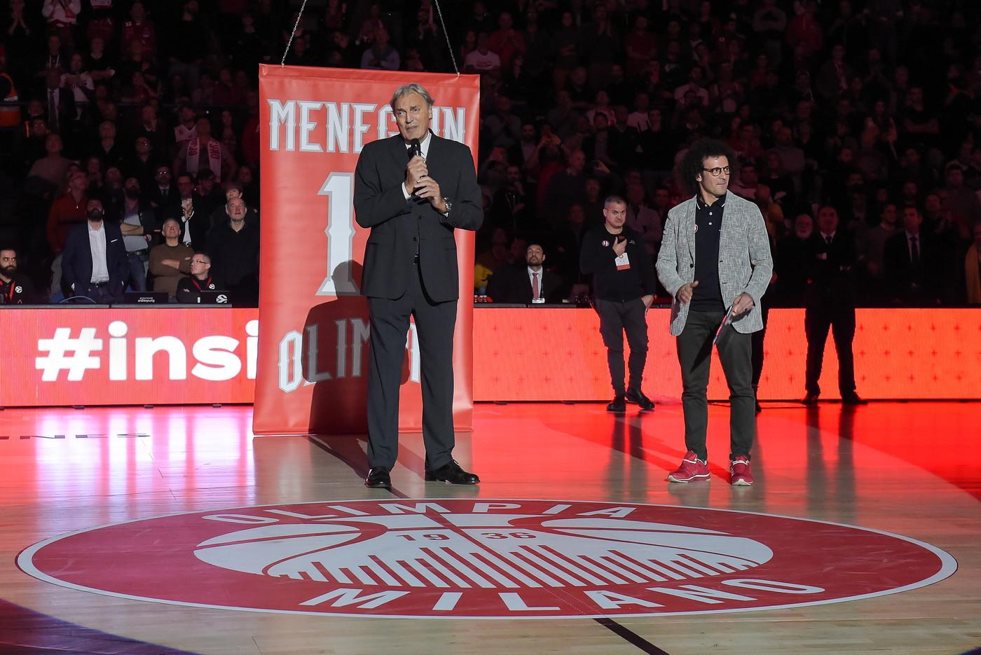 L&#39;Olimpia Milano ha deciso di omaggiare la leggenda del basket italiano Dino Meneghin<br /><br />