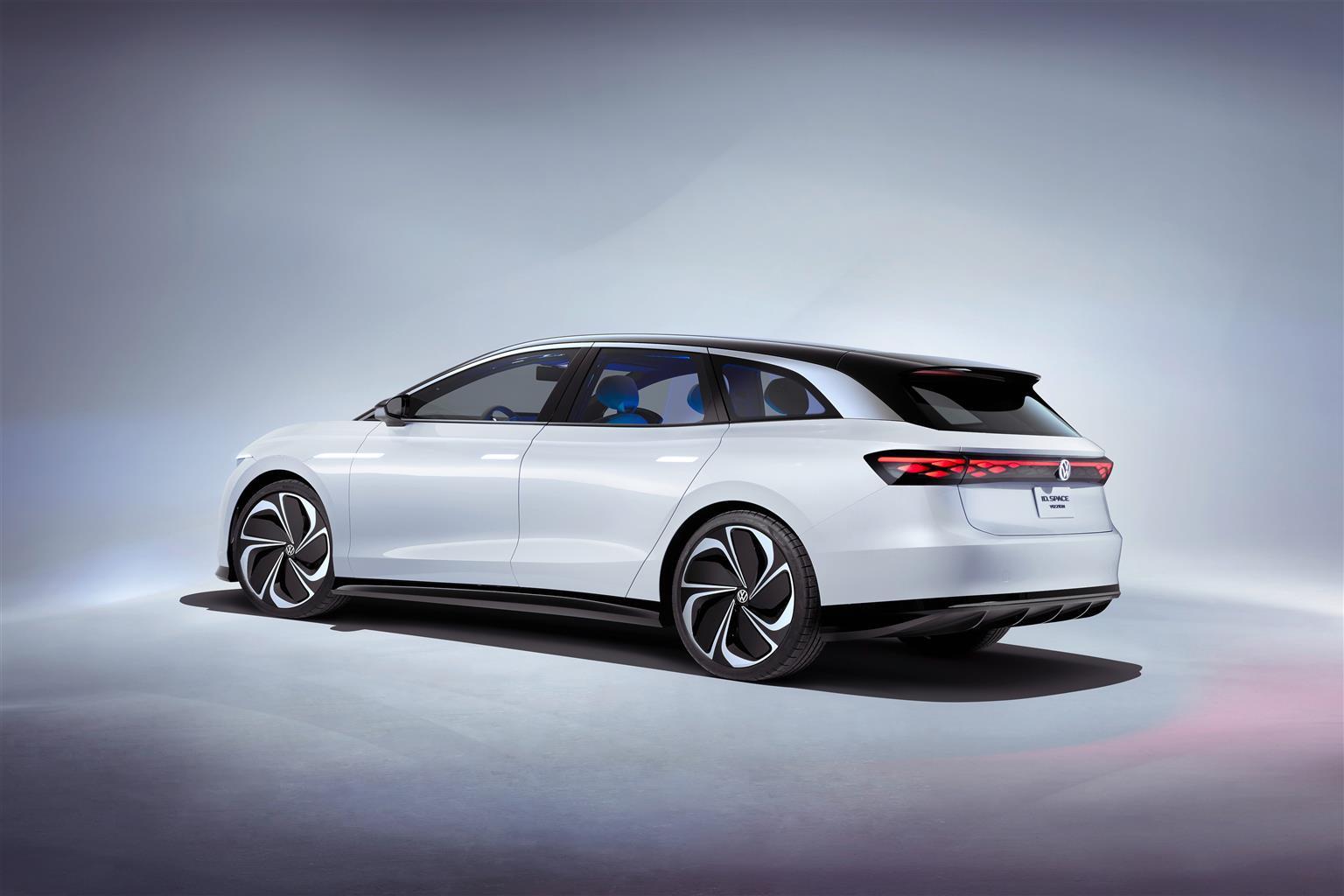 La Volkswagen ha svelato al salone di Los Angeles la concept ID. SPACE VIZZION, settimo membro della famiglia elettrice ID.. Doti dinamiche da Gran Turismo, spazio da SUV ed emissioni zero con autonomia(grazie anche al cx di 0,24) fino a 590 km grazie alla batteria da 82 kWh. La potenza arriva a 340 cavalli (250 kWh) per un'accelerazione da 0/100 km/h in 5,4 secondi.