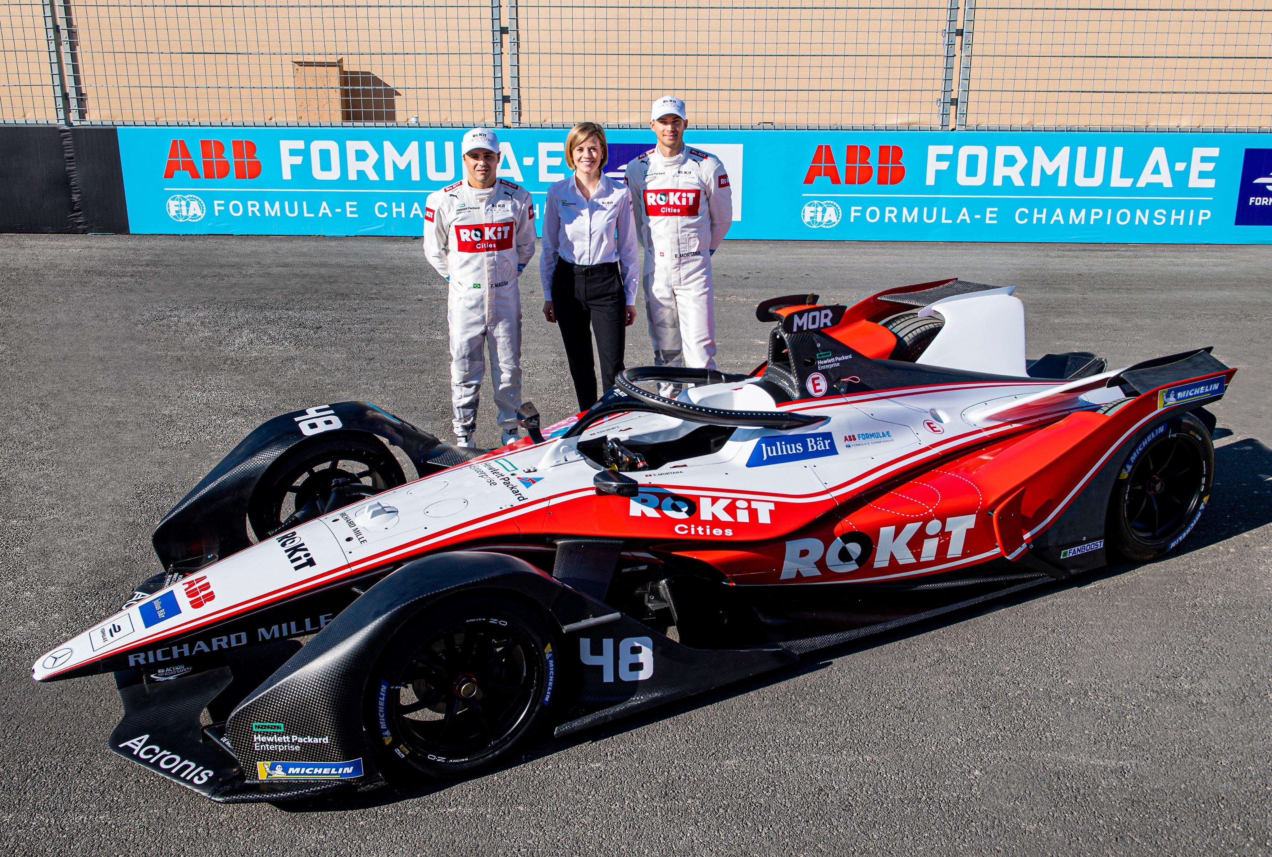 La Venturi Racing ha svelato il nuovo sponsor ROKiT e la nuova livrea per la season 6 di Formula E. Dal grigio scuro e l'azzurro si è passati al bianco, rosso e nero per le vetture di Massa e Mortara.