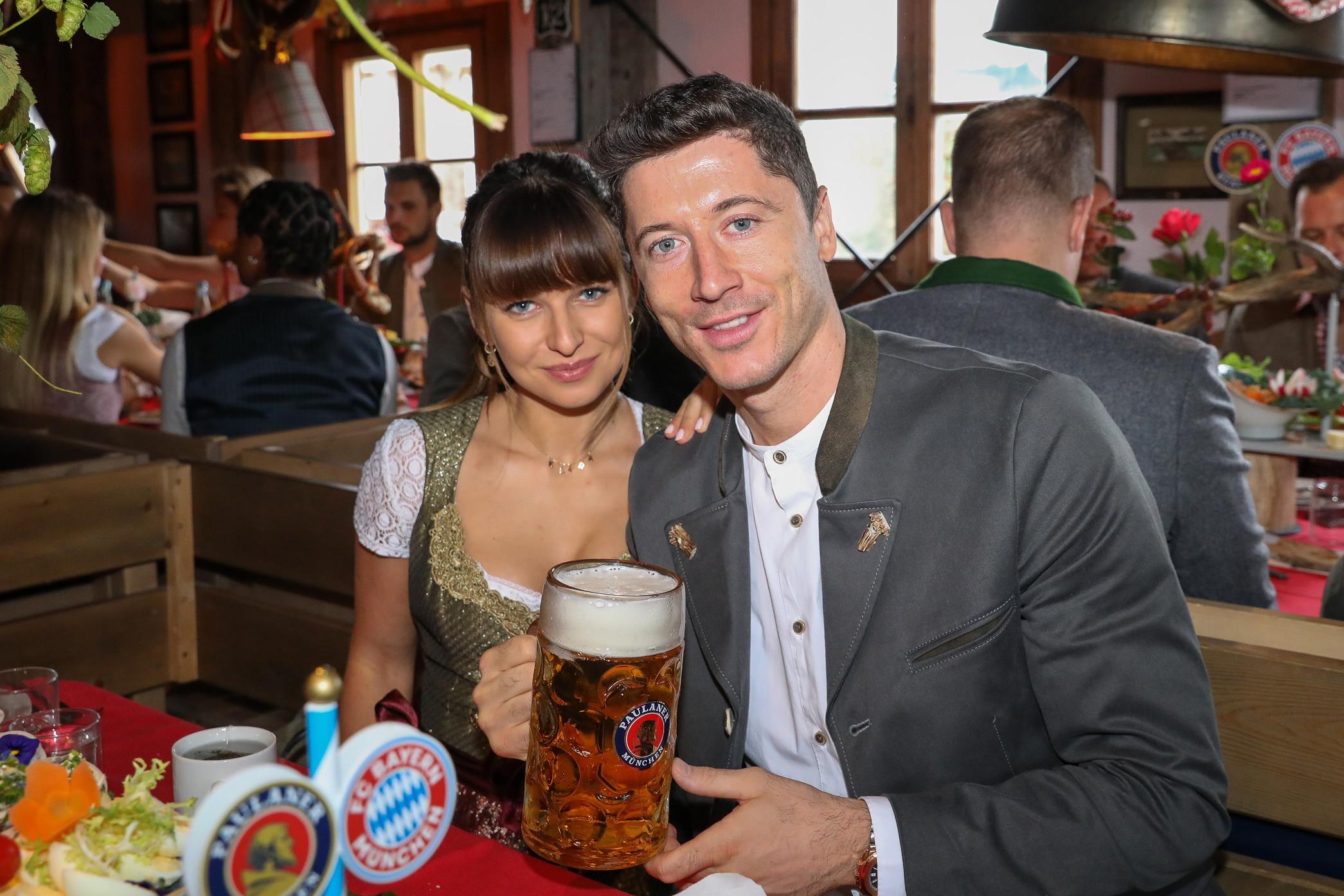 Tra Bundesliga e Champions League, Lewandowski ha giocato diciassette partite in stagione segnando in sedici (a secco solo contro il Fortuna Dusseldorf)