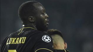 Lautaro e Lukaku eroi a Praga: l'Inter rimane aggrappata alla Champions