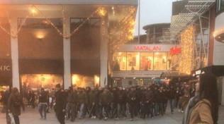 Napoli, scontri con la polizia: arrestati 5 tifosi a Liverpool