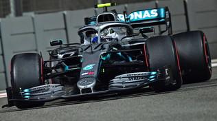 Bottas continua a volare, le Ferrari devono inseguire