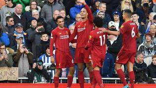 Il Liverpool vince in 10, ok Mourinho, il City affonda a -11 dai Reds