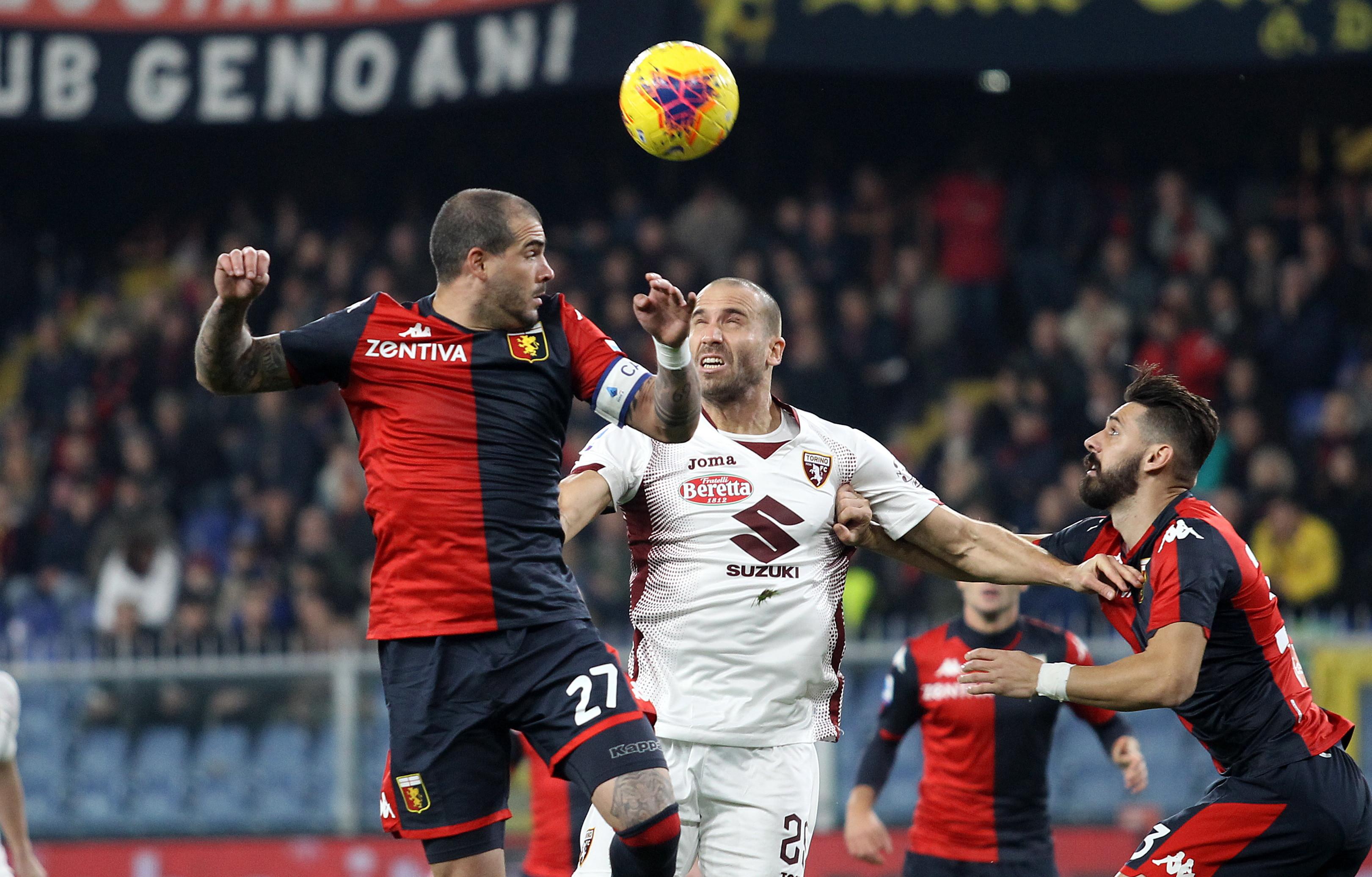 Nel match delle 18, il Torino di Mazzarri sbanca Marassi di misura e sale a quota 17 punti. I granata superano il Genoa per 1-0 grazie al gol di Bremer, che di testa infila Radu al 77' sugli sviluppi di un calcio d'angolo. Agudelo colpisce una traversa al 56', Favilli prende il palo al 57'. Edera viene espulso per doppia ammonizione al 95'. Il Grifone resta terzultimo in classifica con 10 punti.