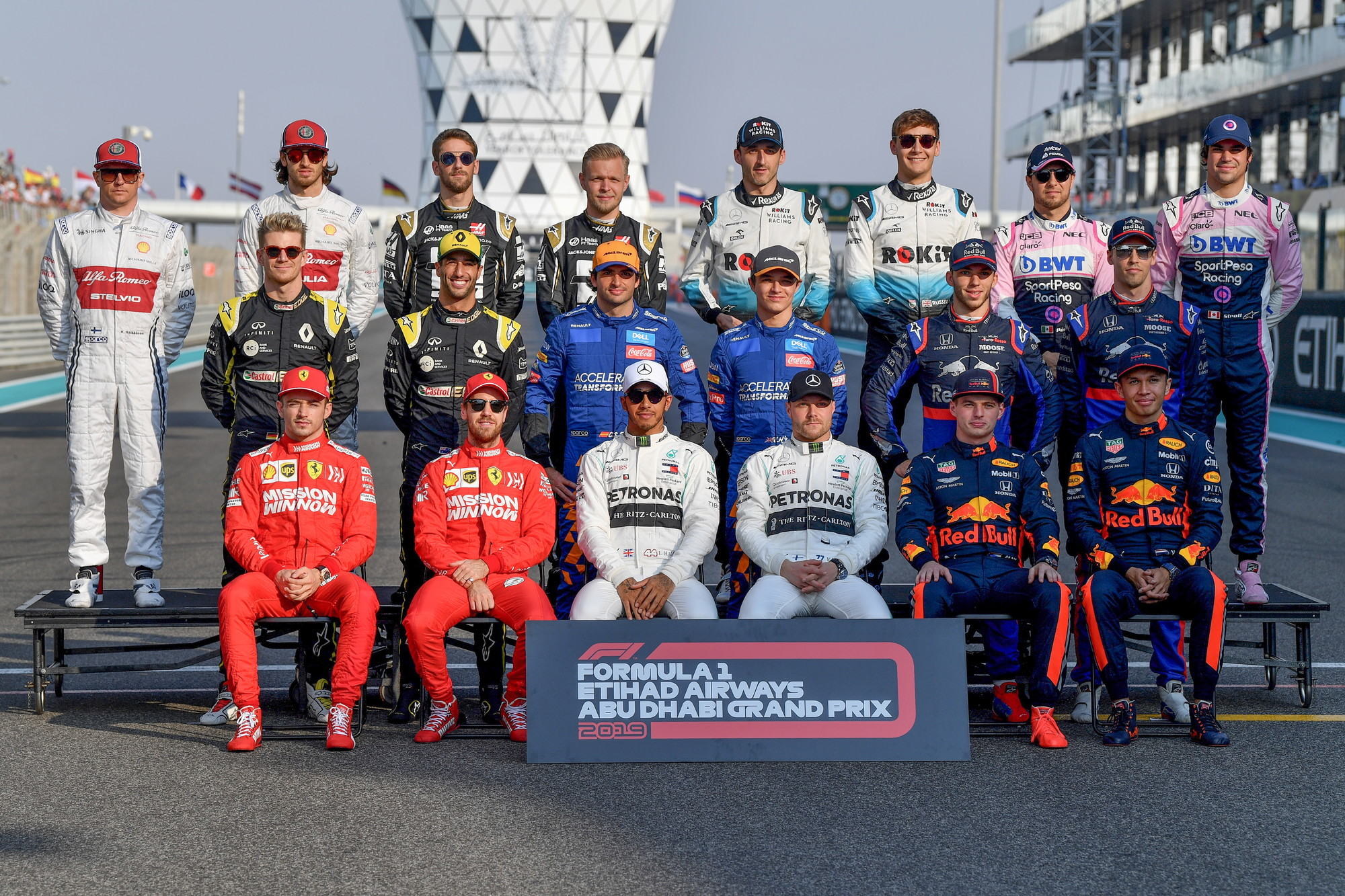 Tutti in posa sul circuito di Yas Marina, ad Abu Dhabi si chiude la stagione