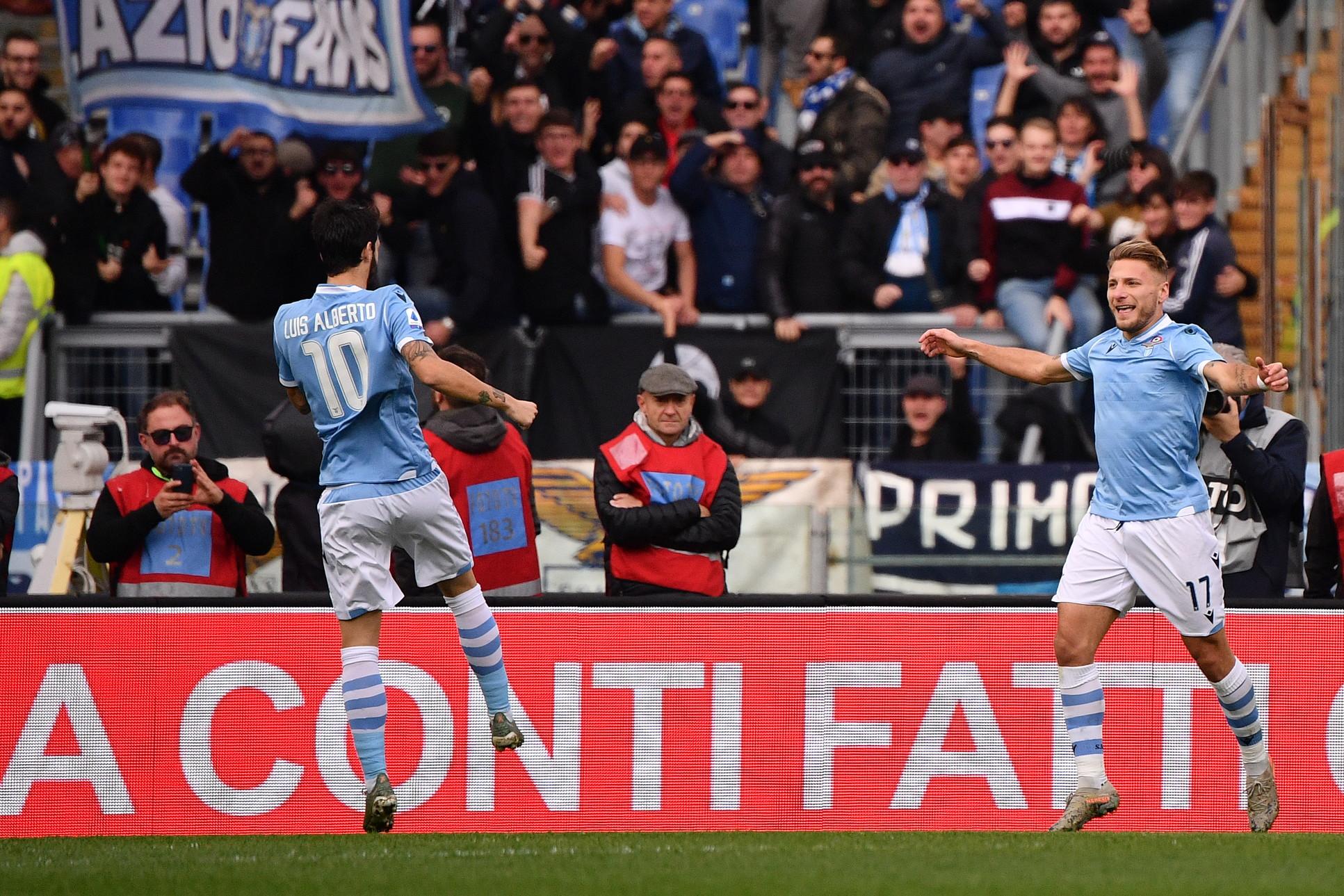 Basta un tempo alla Lazio per chiudere la pratica Udinese, che all'Olimpico viene travolta per 3-0. La squadra di Inzaghi va a segno con Immobile ...