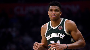 Bucks e Giannis fanno di 12 di fila, disastro Golden State