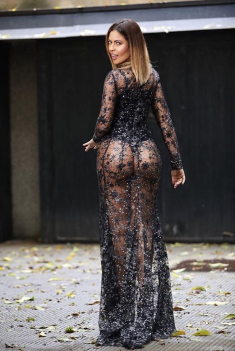 """Fabiana Britto, showgirl brasiliana con il Milan nel cuore, sceglie Instagram per pubblicare una foto """"trasparente"""": il vestito copre ma lascia intravedere quasi tutto..."""