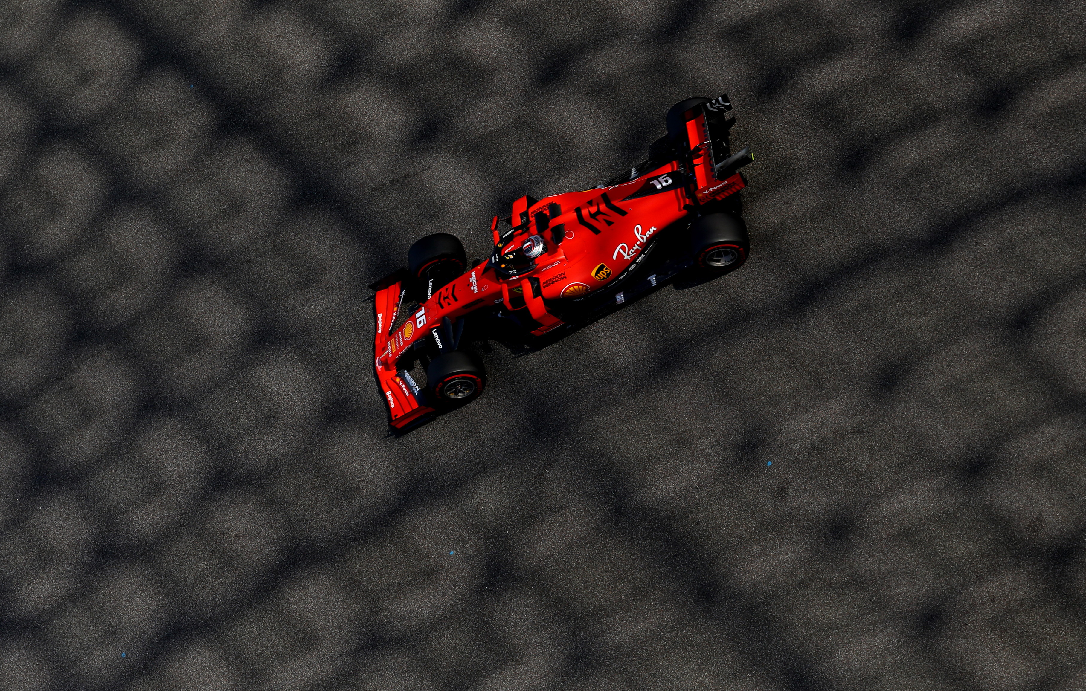 Russel il più veloce nei test Abu Dhabi, incidente Leclerc